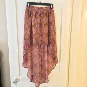 Dresses & Skirts - Flowy Hi-Lo skirt
